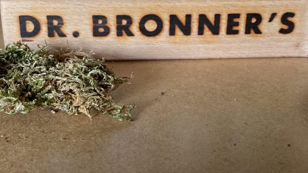 100% Bio zertifiziert 100% biologisch abbaubar 100% recycelbare Verpackungen - Dr.Bronner 2